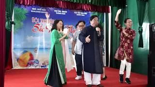 Đình Khoa ngẫu hứng múa CÔ GÁI SẦM NƯA cùng các thi sĩ trên đất Nam Định