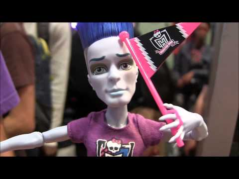 MONSTER HIGH SLO MO MORTAVITCH NYCC 2013 REVIEW VIDEO !!! :D !!