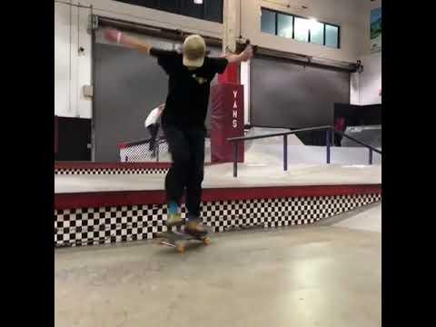 Name this trick for @bevup 📹: @jrome_lopez | Shralpin Skateboarding