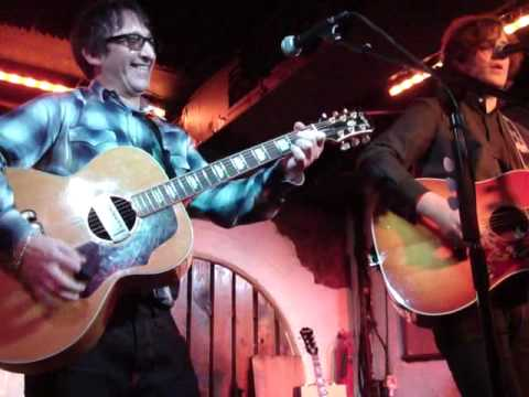 James Walsh - London The Borderline - Jealous Guy, Duet with Ian Broudie (December 13th 1009)
