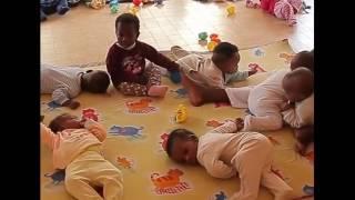 Bébés immigrés yi -/- Khol lène li len dal