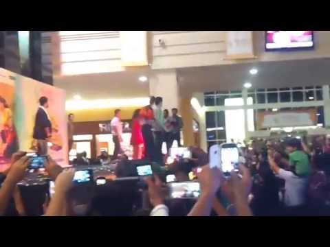 Gori Tere Pyaar Mein   Promotion at Arabian Center in Dubai