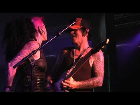 LA Guns (Tracii Guns&Dilana) Rip And Tear - Backstage Live - 10-21-11
