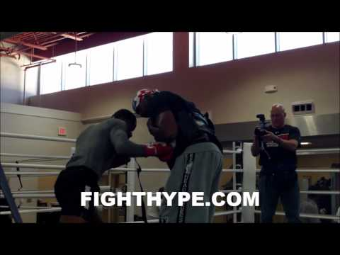 ADRIEN BRONER RIPS SHOTS TO THE BODY PUTS IN HARD WORK WITH BARRY HUNTER AHEAD OF MOLINA CLASH