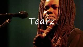 Watch Tracy Chapman Crossroads video