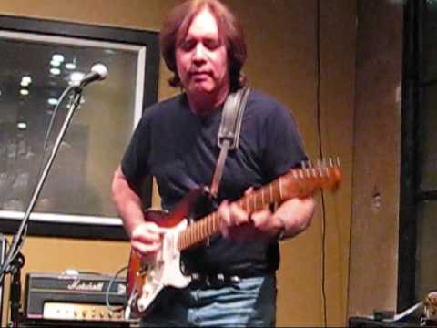 Carl Verheyen plays Goodbye Pork Pie Hat at Pasadena Guitars