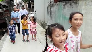 Các Bạn Nhỏ Đến trường Mầm Non Chơi Làm Nước Hoa và Mua Hát Ghi Hình Ở Quê Bắc Ninh