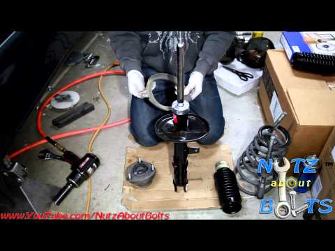 1992-1996 Toyota Camry Rear shock assembly remove and install