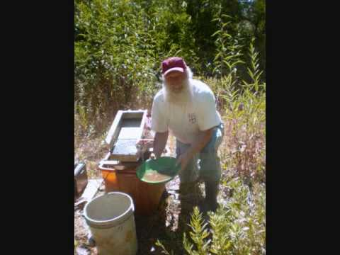 Gold prospecting near Groveland, Ca.wmv