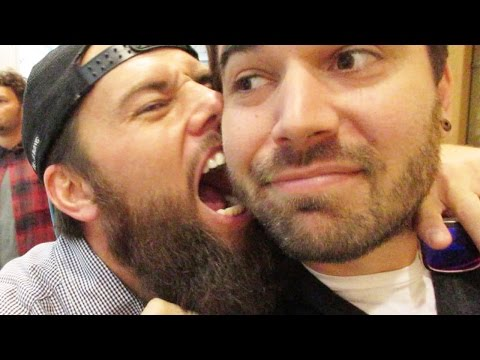 SURPRISE KISS ATTACK!! (10.17.14 - Day 1997)