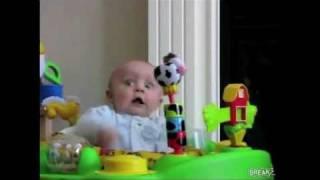 Thumb Como reacciona un bebé a la música de Skrillex