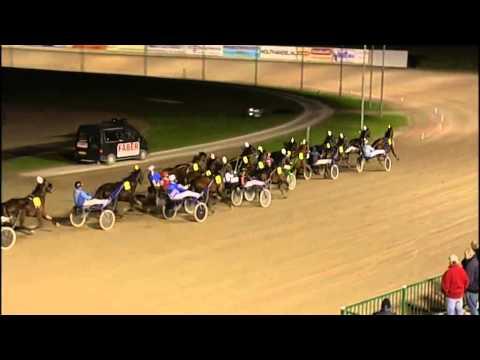Vidéo de la course PMU PRIX UET GRAND PRIX A WOLVEGA 2015 (BOKO CHAMPIONS CHALLENGE)