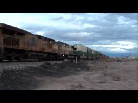 Union Pacific Intermodal Train Alamogordo NM, 1/26/13 (1080p)