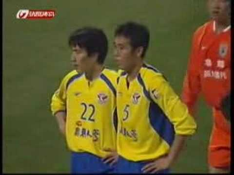 2007 AFCCL LNTS v Seong: Zivcovic penalty 60' Zivcovic penalty 2007 AFC Champions League group stage Shandong Luneng Taishan (China) v Seongnam Ilhwa Chunma ...
