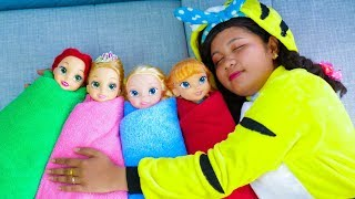 Linda Pretend Play with Dolls, Are you sleeping brother John