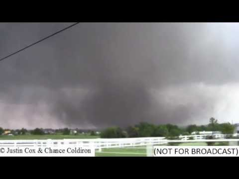 10 more Minutes of the Moore EF5 Tornado (5/20/2013)