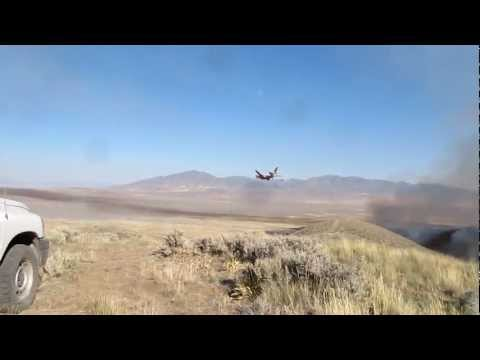 Plane drops Insanely low fighting  Buffalo Fire, Battle Mt. Nevada HD