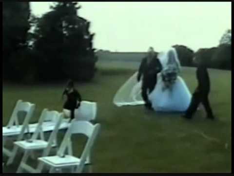 Esküvői bakiparádé