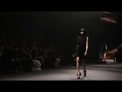 Lanvin - Fall Winter 2010/2011 Fashion Show (Women)