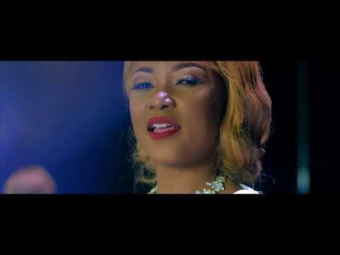 Arielle T - Moitié-Moitié (Official Video)