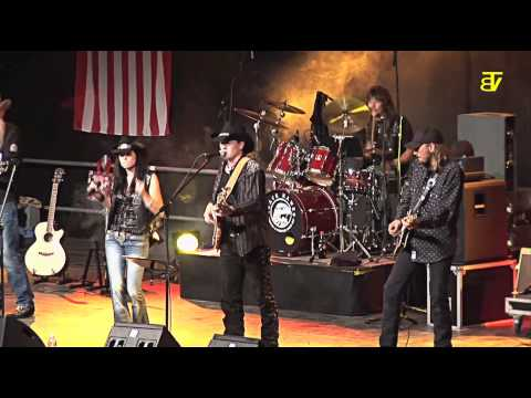 Black Hawks Countryband - They Call Me The Breeze