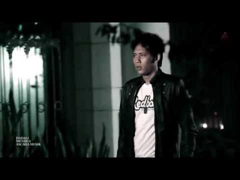 download lagu Dadali - Disaat Aku Tersakiti gratis