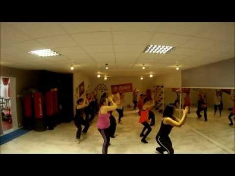 cours de zumba fitness maria rumba flamenca au club dynam 39 hit royan youtube. Black Bedroom Furniture Sets. Home Design Ideas