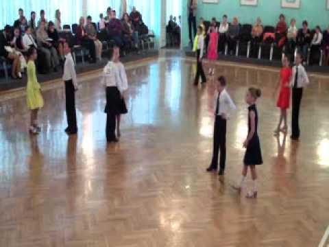 Бальные танцы.Е класс(Дети 2+1)Финал. - YouTube