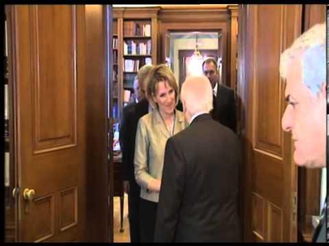 Ministrja e Mbrojtjes Kodheli takon presidentin e Greqisë, Karolos Papulias