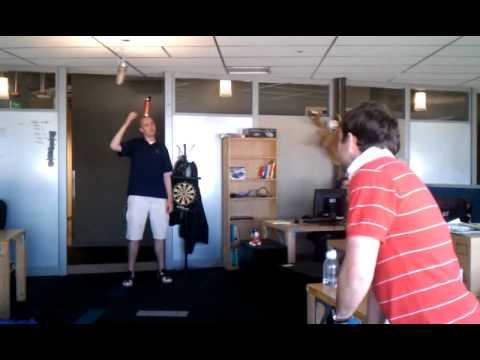 RE: Amazing Roger Federer trickshot