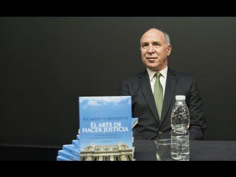 Lorenzetti presentó en Rosario su libro El arte de hacer justicia