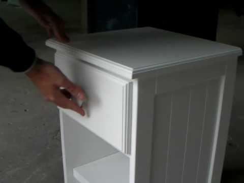 Mesa de luz youtube for Como pintar una mesa de madera