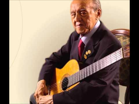 Alirio Diaz - Bach - Gavotte BWV 1012 (guitar).wmv