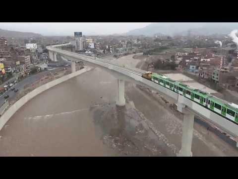 Metro de Lima ingresando a San Juan de Lurigancho