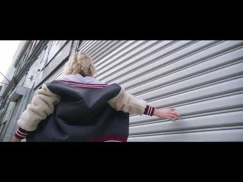 Emma Marrone - L'isola (Official Video)