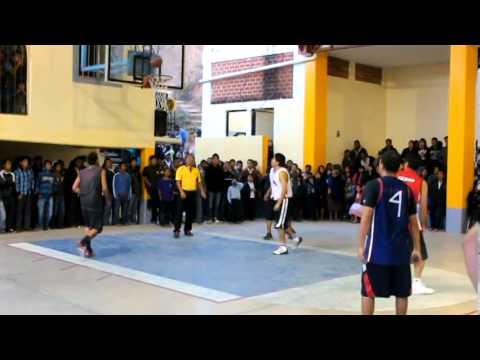 Totontepec vs ? final de basquetbol en San Pedro Quiatoni. enero 2014