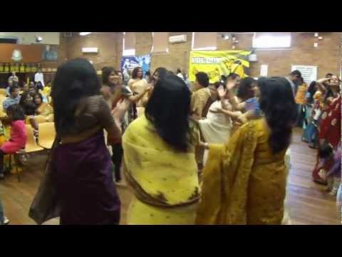 Uttaran Durga Puja 2012 Dhol Drum And Ladies Dancing video