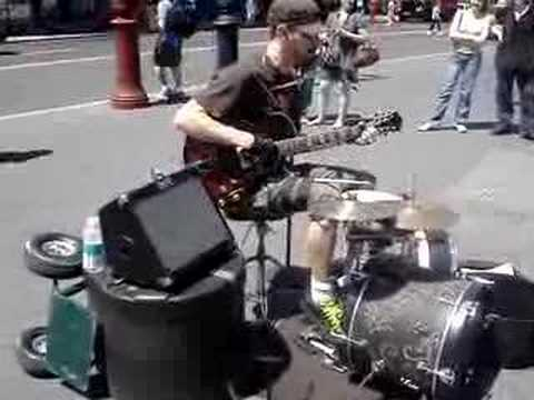 Amazing Musician New York City Union Square... Crazy!