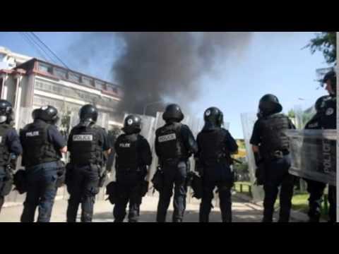 Clashes In Kosovo's Mitrovica Over Bridge Blockade MUST SEE