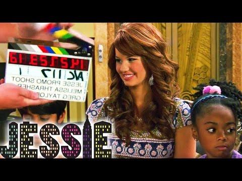 10 FACTS über JESSIE! | Disney Channel