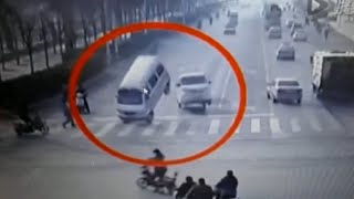 Download LiveLeak - Bizarre accident with vehicle tail left in air by unknown force 3Gp Mp4