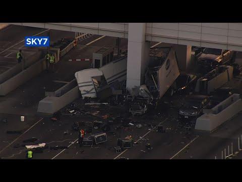 Raw: Truck Hits Calif. Bridge Toll Booth, 1 Dead