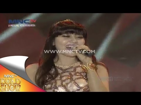 download lagu Via Valen  Di Sayidan  - MNCTV Road Show gratis
