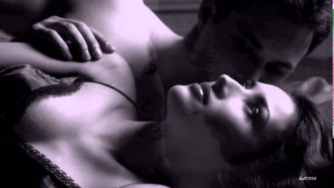 Я целую нежно твое тело и ласкаю твой член 20 фотография