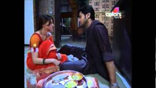 Dutta scene299 - Dutta eating from naku's hand after hitting her at the party