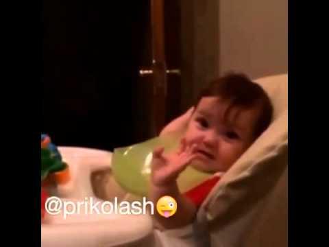 Azəri balası gülməli video !