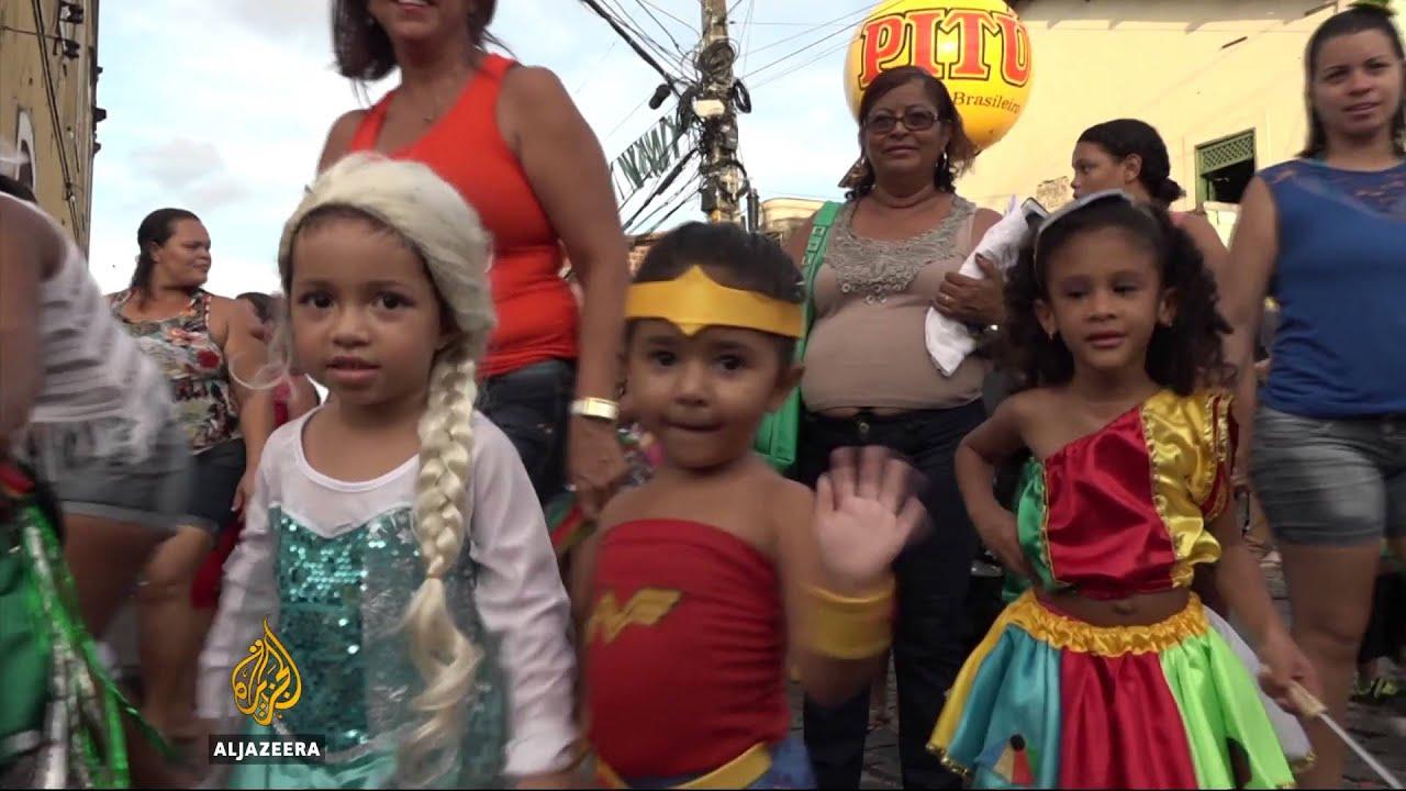 Brazil's Carnival-goers defy fear over Zikra virus