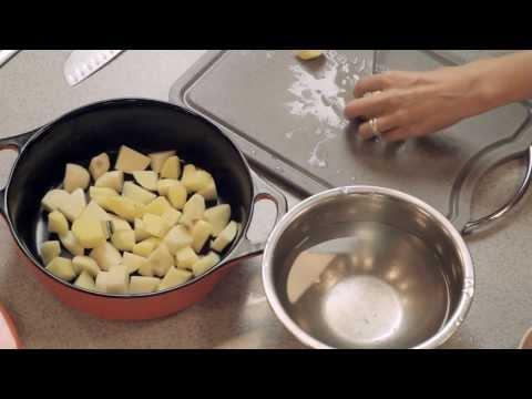 Как тушить картошку с мясом - видео