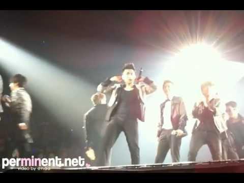 120318 Super Show 4 Bangkok – Sungmin sexy wave!