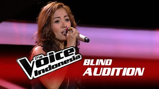 "Intan Rahayuning ""Yang Kunanti"" | The Blind Audition | The Voice Indonesia 2016"